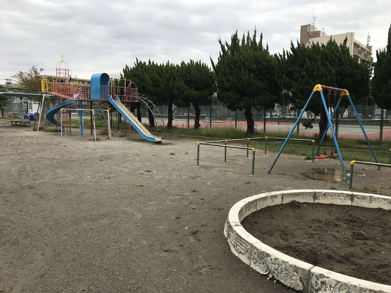 行徳中央公園の公園広場