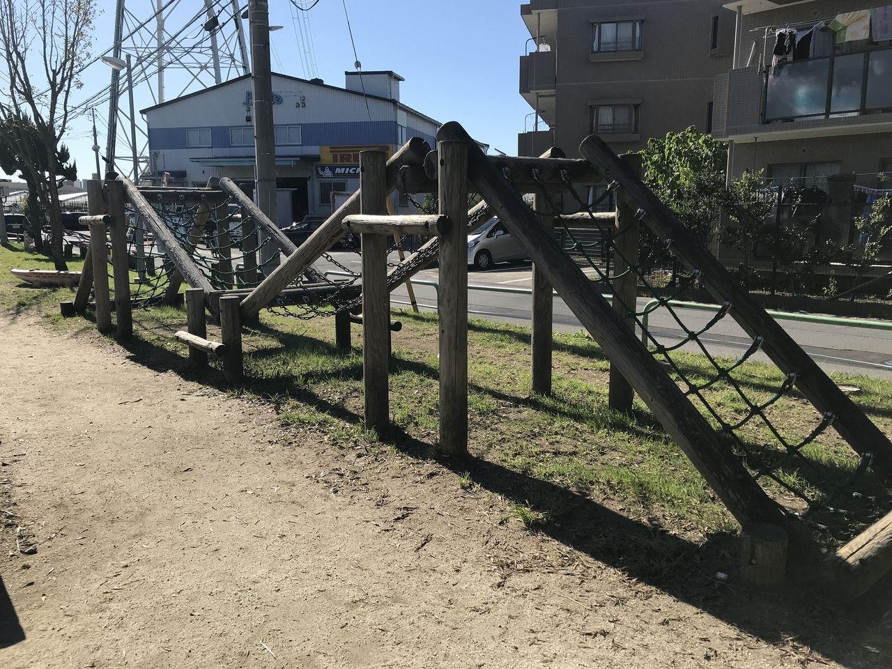 行徳の福栄公園の網の橋