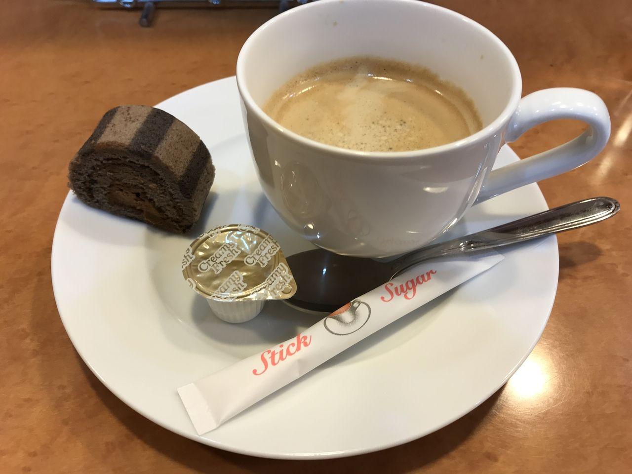 行徳の黒牛のコーヒーとデザート