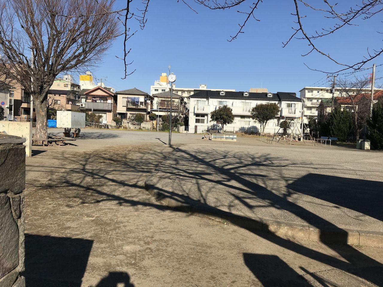 行徳の西浜公園の広場
