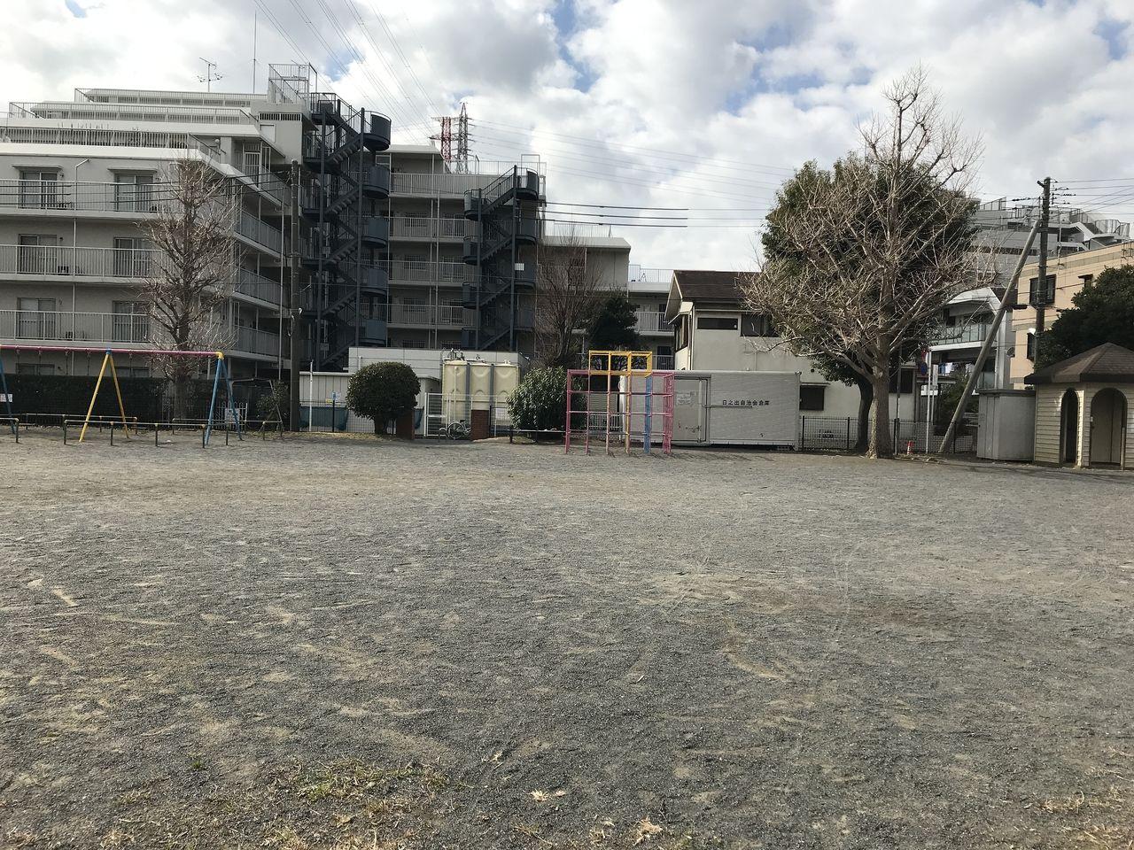 行徳の南浜公園の広場