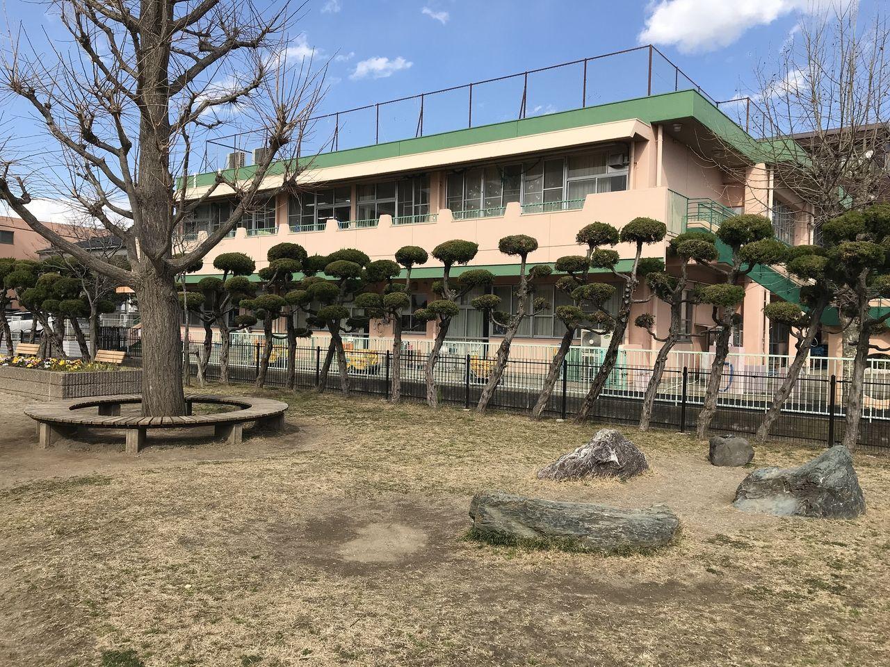 行徳の神輿公園の周囲の松