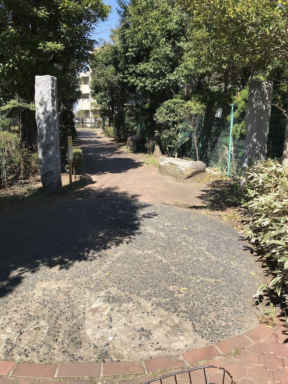 行徳の福栄緑道の曲がり角