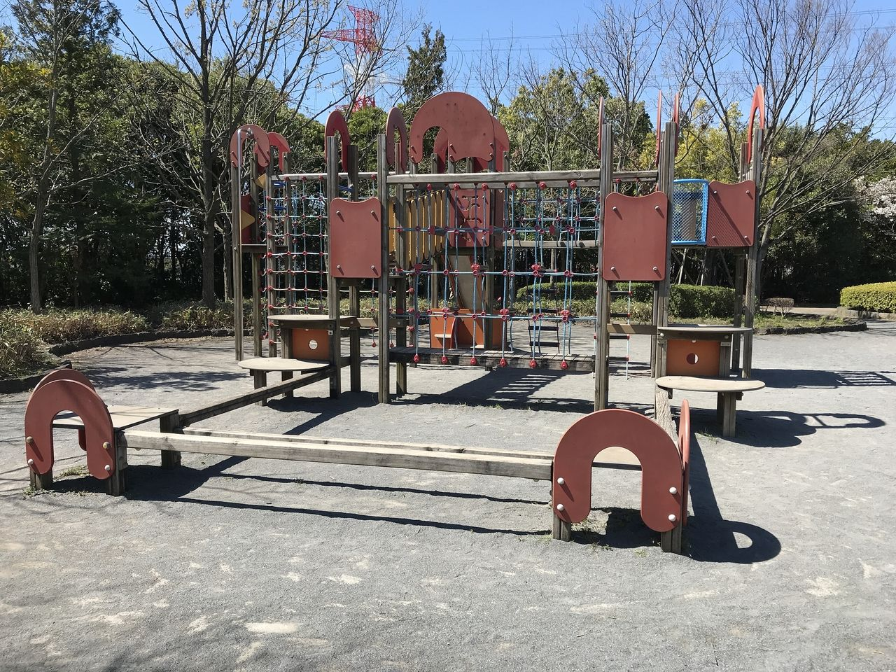 行徳のいこいの広場の複合遊具
