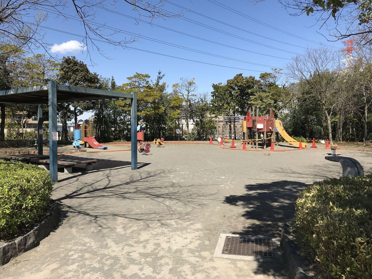 行徳のいこいの広場の左側公園