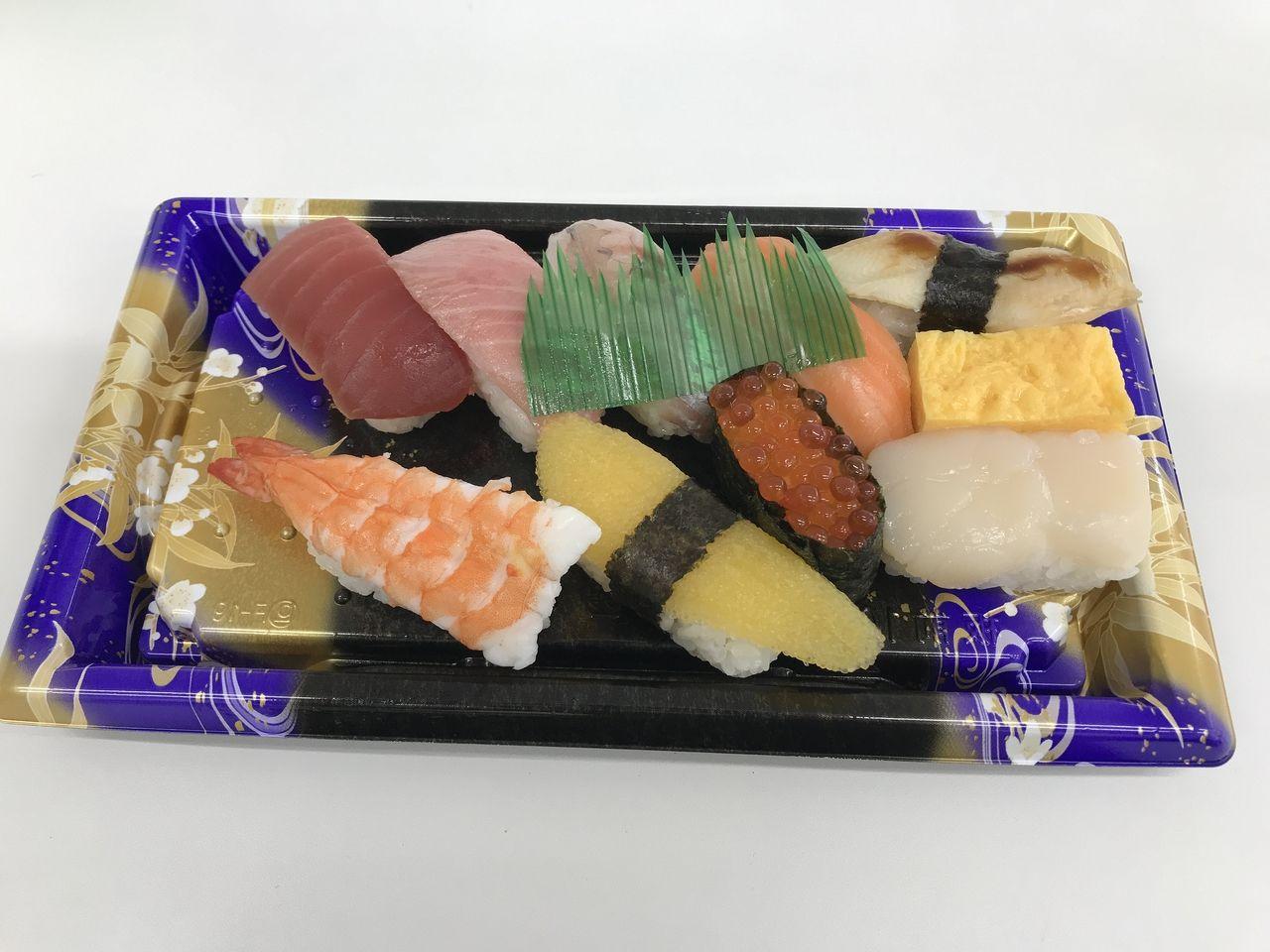 南行徳の鮪Workのきちんと並べた特上のお寿司