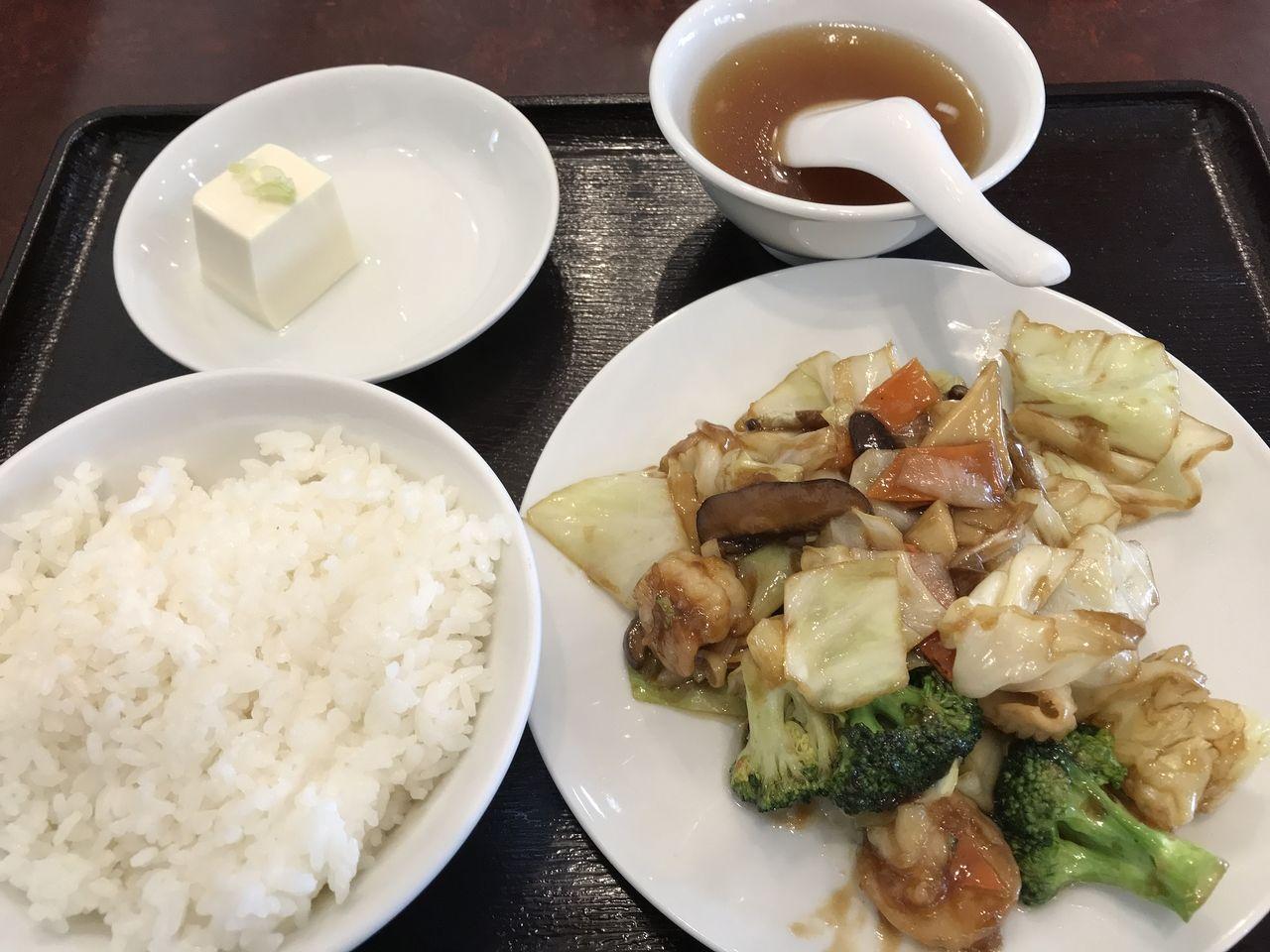 行徳の独一処餃子の八宝菜定食