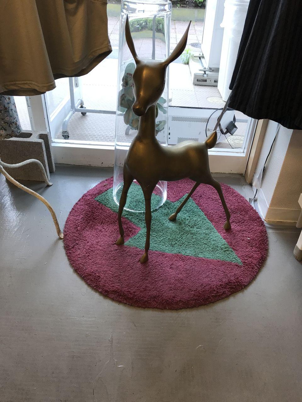 行徳のINTERNATIONAL AIRPORTの小鹿