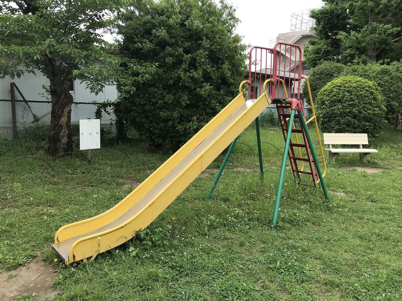 行徳の行徳児童公園のすべり台