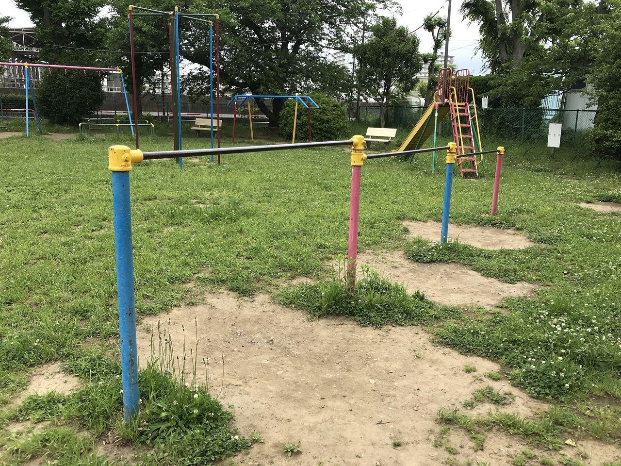 行徳の行徳児童公園の鉄棒