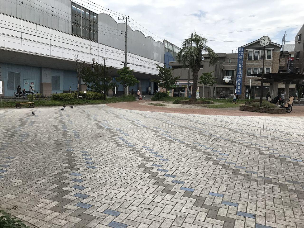 妙典の白妙公園の広場