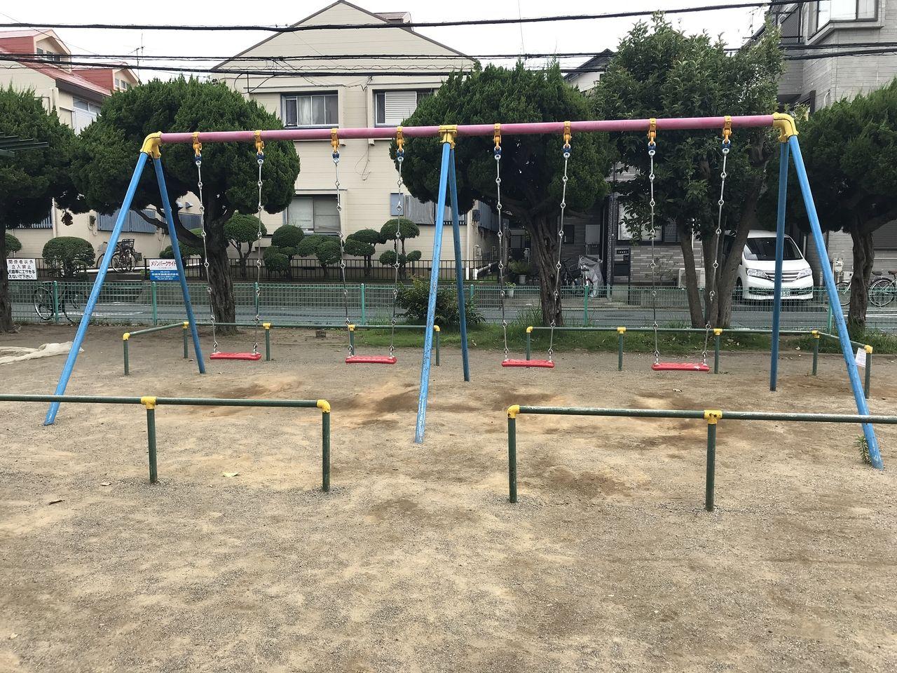 妙典の元新田公園のブランコ
