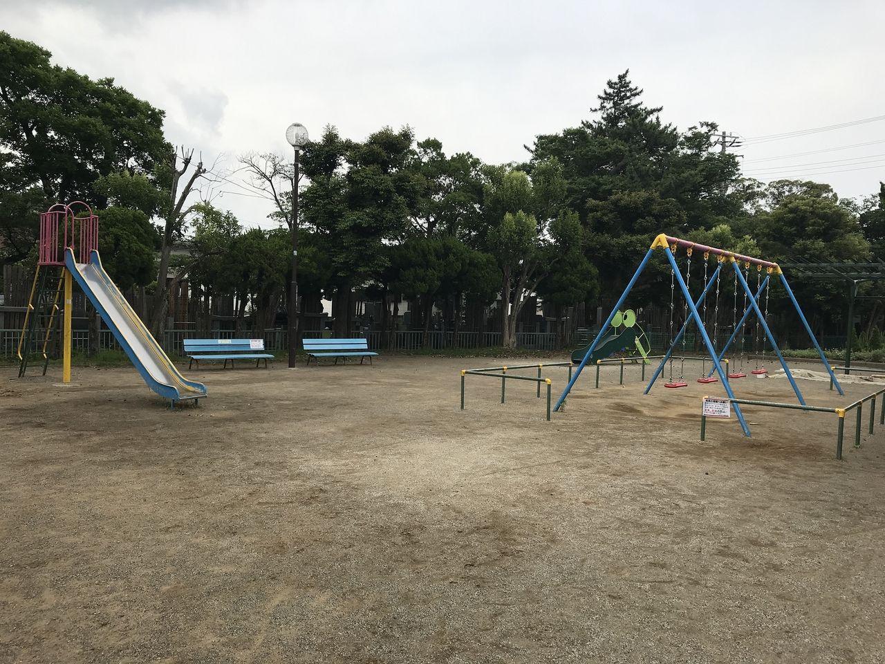 妙典の元新田公園の右側遊具