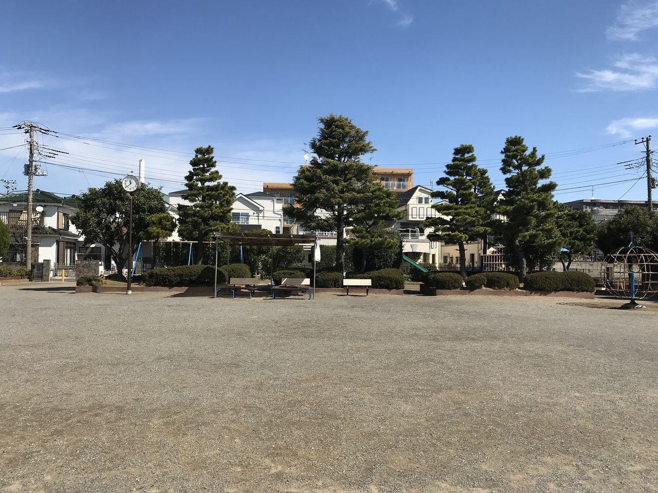 南行徳の相之川公園の広場