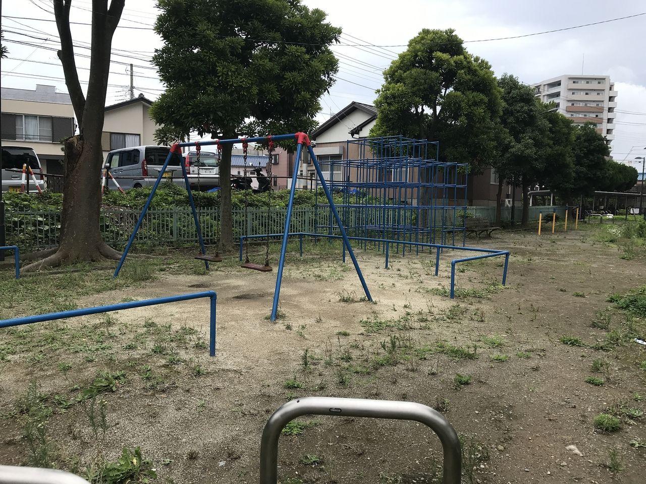 南行徳の今井橋公園の広場